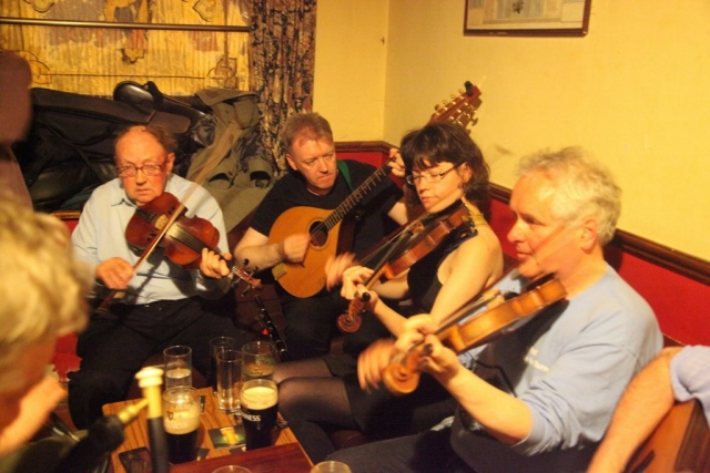 session mullagh clare fiddle tuition lessons classes irish traditional holiday burren