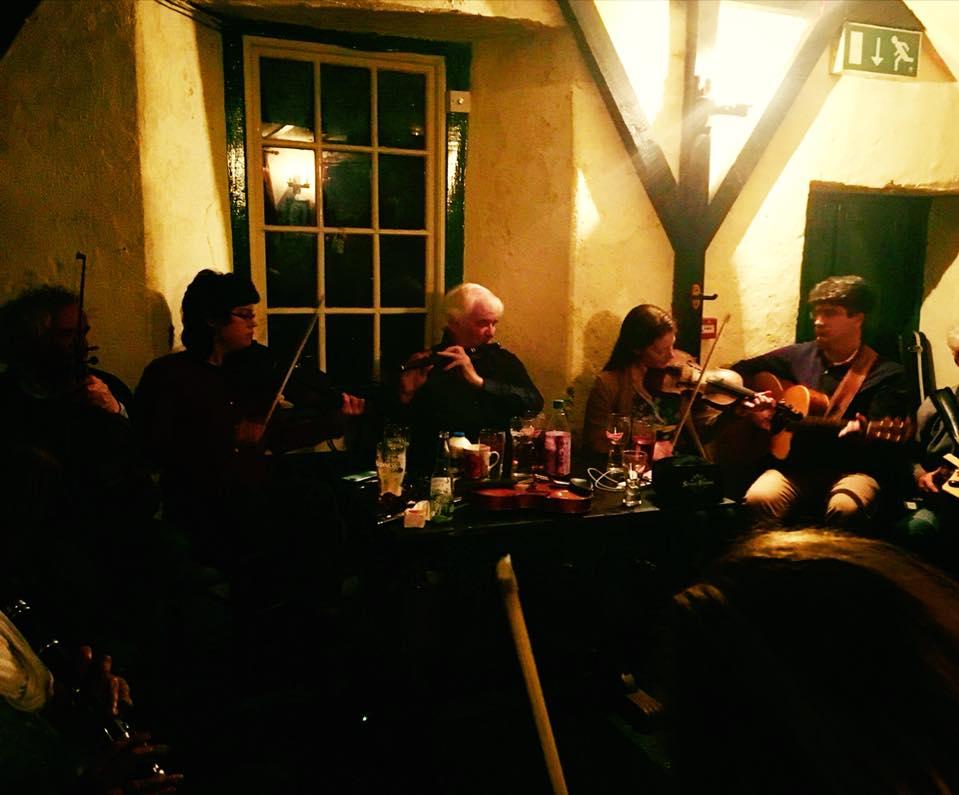 trad session crowleys corofin burren fiddle holidays