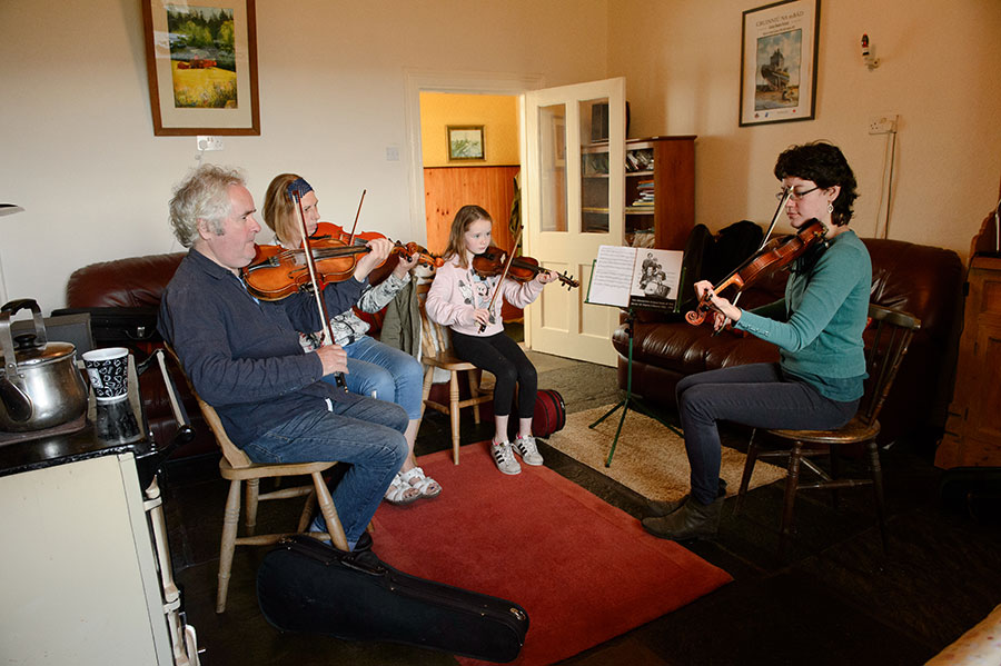 fiddle class lesson tuition irish traditional burren clare ireland holiday